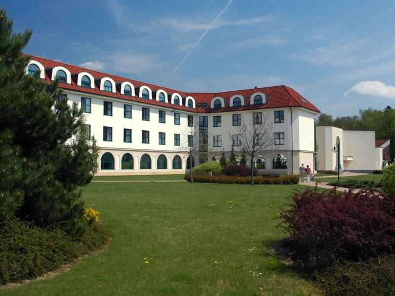 Bohdanečská rekondiční kúra - Lázeňský pavilon Veselý