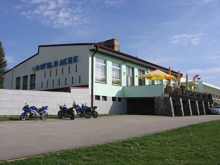 HOTEL RACEK - rekreační pobyt - hotel - Černá v Pošumaví