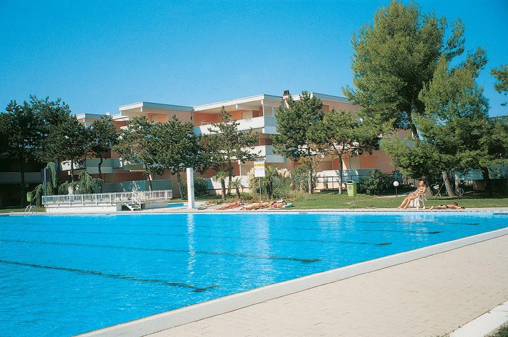 https://img.fischer.cz/hotels/italie/benatsko/bibione/apartmany-bibione-kat-vo/01_it_bibione_noname_ext1-jpg.jpg