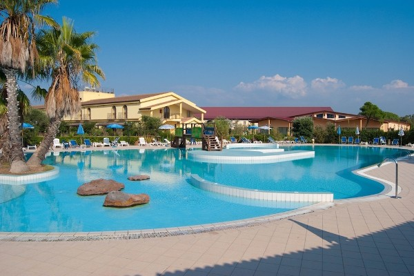HORSE COUNTRY RESORT 55+