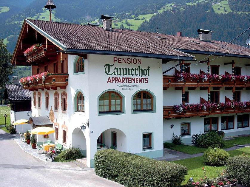 PENSION TANNERHOF - léto