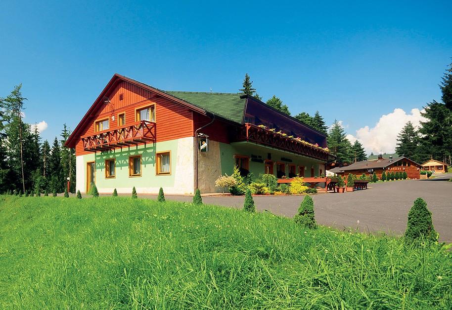 HOTELY BYSTRINA  / POĽOVNÍK