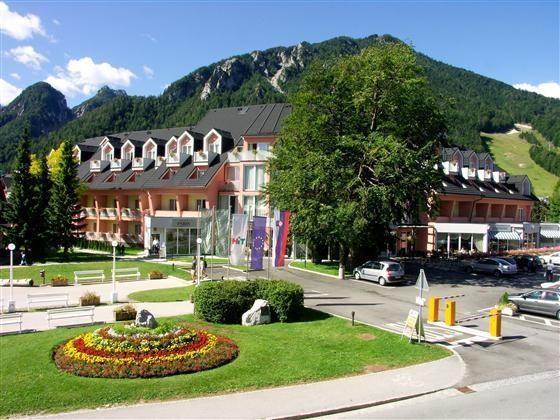 RAMADA HOTEL SUITES (HOTEL PRISANK)